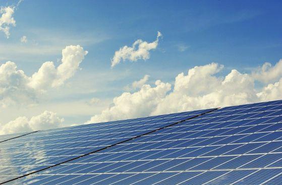 Китай губи 13% от производството на слънчева електроенергия заради мръсен въздух